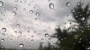 rain-drops-on-window-1827098_1280